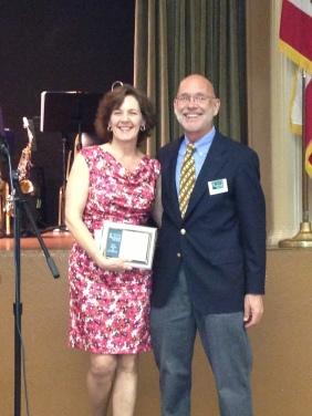 Annette Kassis receives award SCHS 2013 Awards. Courtesy Center for Sacramento History.